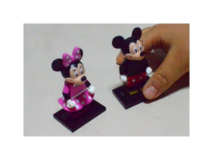 #mickey #minnie #lego #legostagram #legodisneyminifigures #レゴ #legominifigures #レゴミニフィグ #レゴミニフィギュア #disney #ディズニー #ミッキー #ミニー #ミッキーマウス #トイザらス #toysrus  レゴのディズニーミニフィグが欲しかったけれど気づいた時にはいつも行く店は全部売り切れ なんばのトイザらスで見つけたけれどレジ横に置いてあって触っての中身の確認は事実上無理 何個か掴んでその中から厚みのある2個を買ったらミッキーミニーラッキーな中身だった ニヤニヤ並べて見ていたら丸いお手手が伸びて来て レゴミッキーミニー と言うので諦めて息子のレゴの山の中へ 渡す前に一応パーツをボンドで貼り付けておいたけど by __lfa__