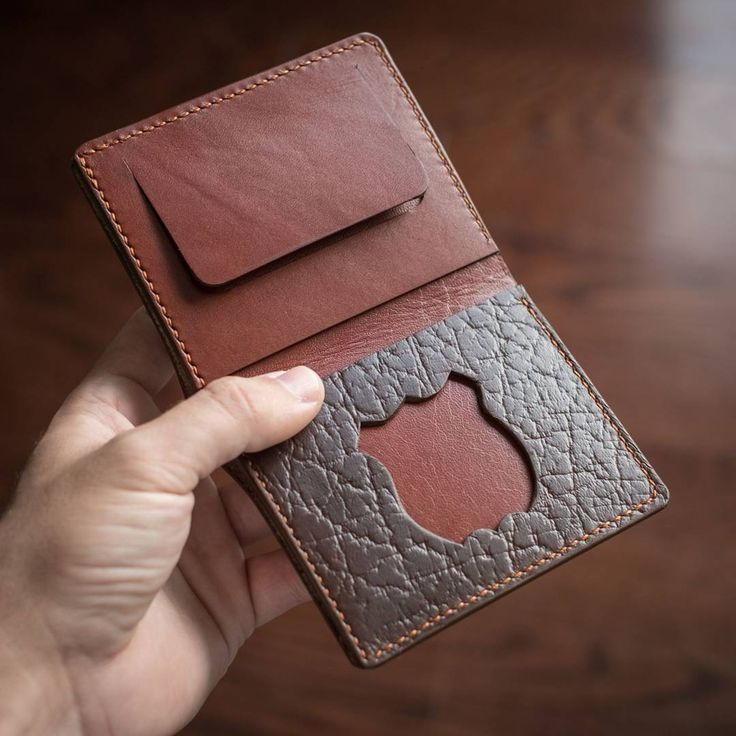 Custom badge wallet made with pebbled brown Horween Chromexcel and Wickett & Craig bridle. • • • • • #leather #handmade #madeincanada #oakandhoneyleather #igerstoronto #leathercraft #toronto #canada #custom #bespoke #bifold #wallet #fashion #accessories #edc #everydaycarry #police #badge