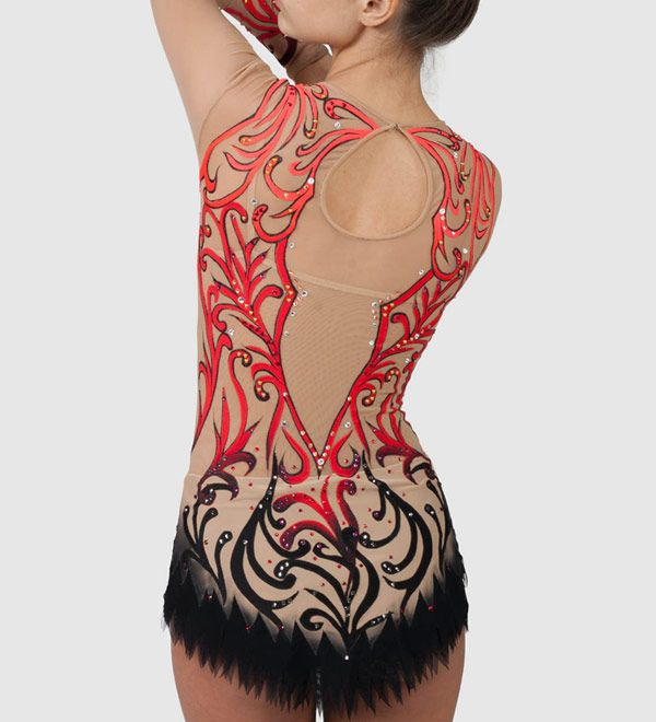 In our beautiful competition rhythmic gymnastics leotard Queen of Spades for girls you will feel confident and stay focused only on your performance!