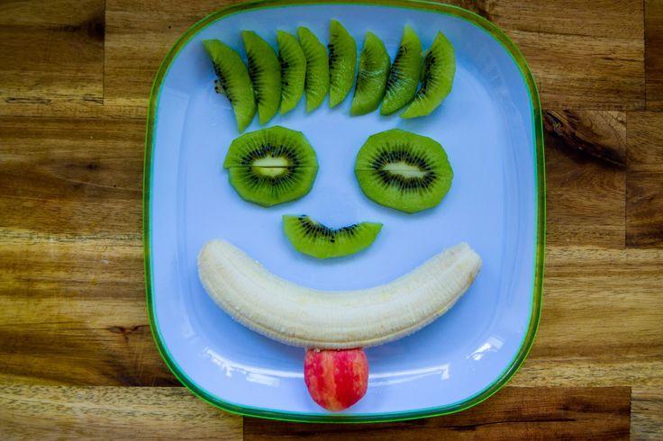 Hier seht ihr noch eine Idee wie ihr leckeres #Obst #dekorieren könnt. #Kiwi # Banane #Apfel #Kinder #foodporn #photooftheday