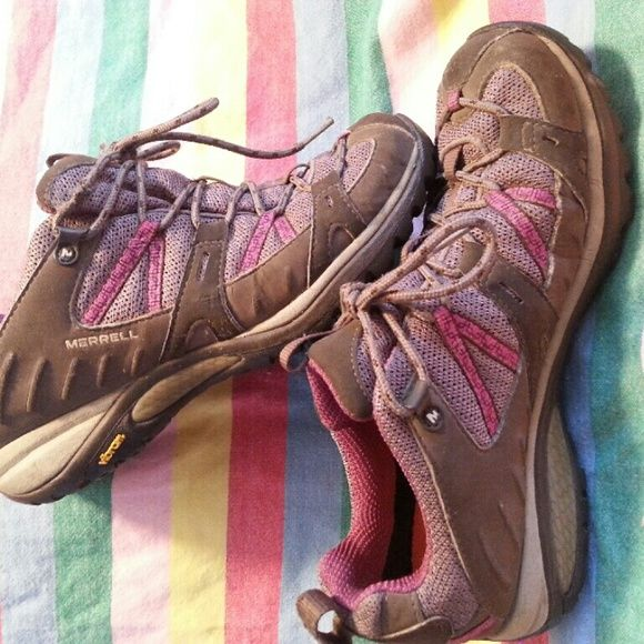 Women's Merrill shoes Hardly worn Merrill shoes. Bought for a vacation in Alaska.  Great for walking or hiking.  Good condition. Merrill Shoes Athletic Shoes