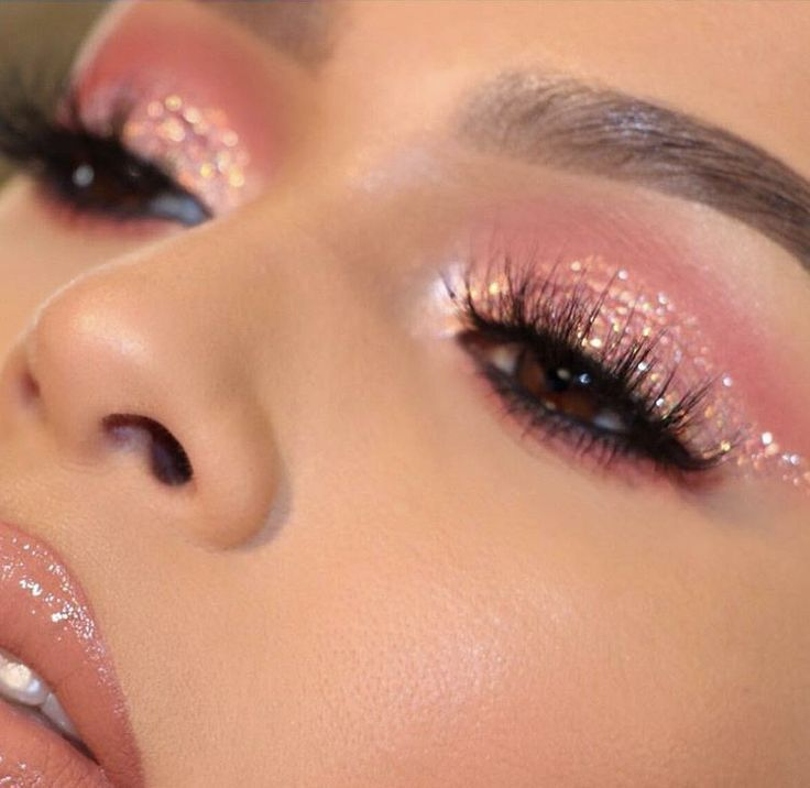pink glitter winged cat eye. makeup @ ? – pls tag mua if you know him/her