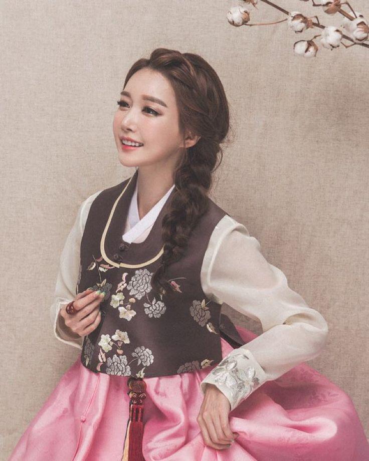 한복 Hanbok : Korean traditional clothes[dress] | Korean Bride