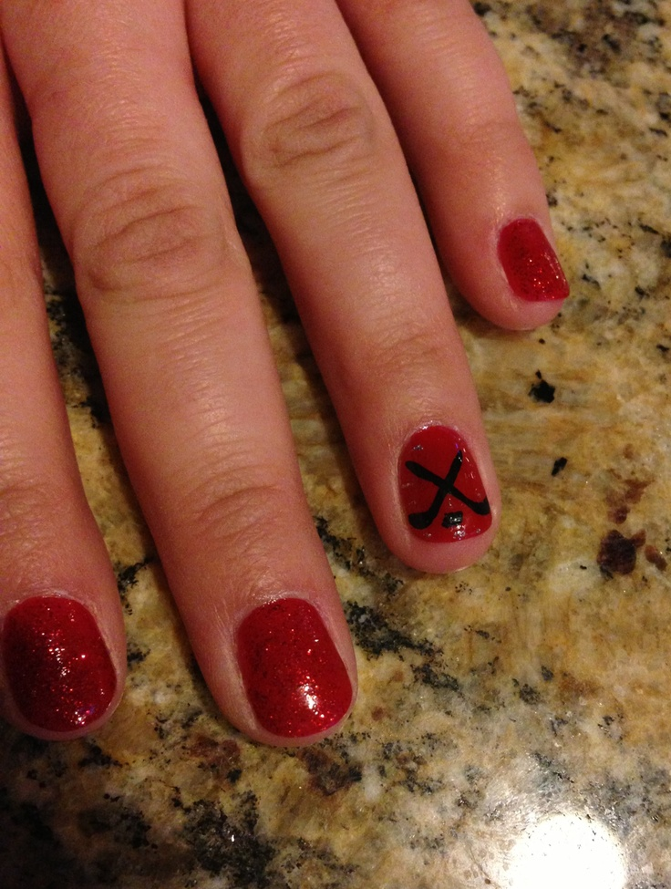 Hockey nails!! But.. I think it'd look better in Pens' colors.