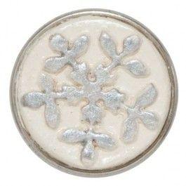 011: Snow- sneeuw wordt gezien als symbool voor serentiteit en vriendschap. Omdat geen enkele sneeuwvlok hetzelfde is, staat een afbeelding van het ijskristal voor authenticiteit.