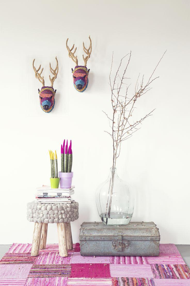 Carpet Billy - pink | Stool wool Stone - nature | Deer head - multicolor