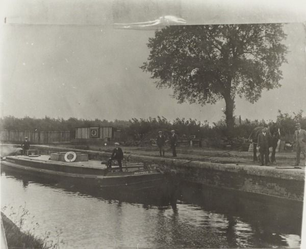 MAYPOLE 6: A boat operated by Otto Monsted to supply their Margerine Works at Maypole Dock, Southall