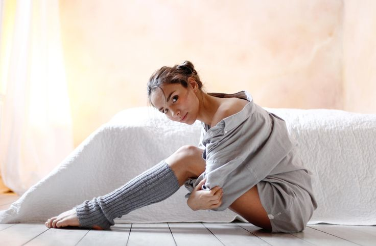 sitting dancer - null