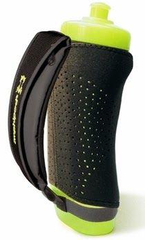 The Amphipod Hydraform Handheld Bottle is the perfect sidekick for avid runners! #fitfadfan #fitnessgear