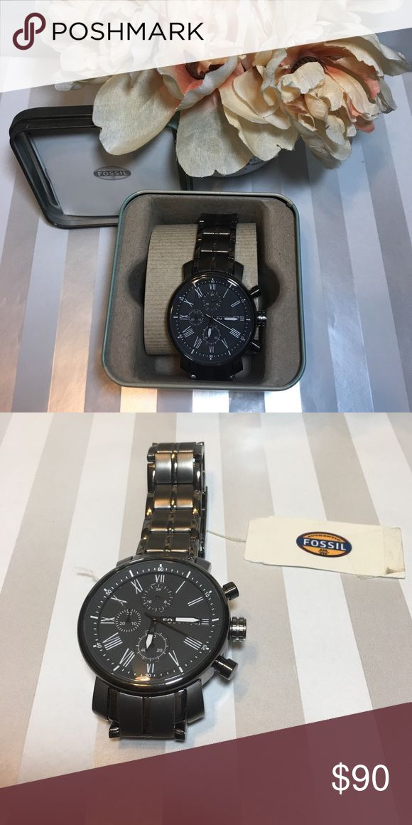 ✨Brand New✨Fossil Watch Purchased as a gift but was unable to send to the person. Never worn. Contains tag and box and gift receipt to show purchase of date. There is an 11 year warranty. Not ticking but can be sent to Fossil to be fixed or any watch repair. Beautiful watch and should be enjoyed by someone. Fossil Accessories Watches