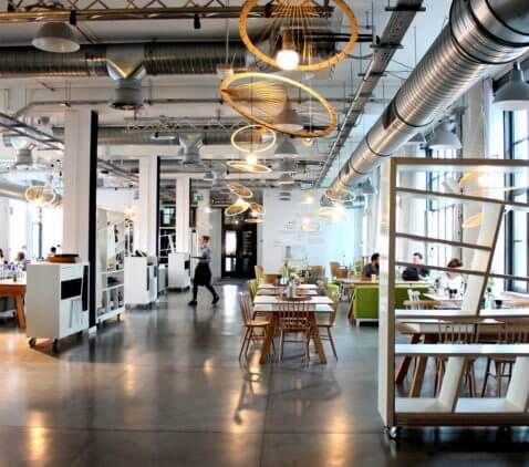 Ciekawe wnętrze restauracji Concordia Taste