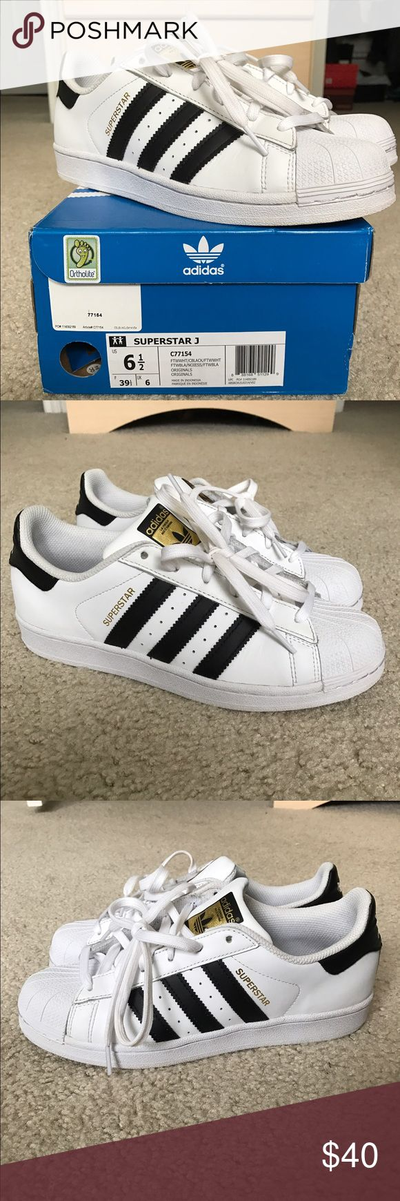 Adidas Originals Superstar Sneaker Shoes Adidas Originals Superstar shoes. Smooth leather upper, rubber shell toe and gum rubber outsole. Comfortable textile lining. Contrast heel tab. Worn but in great condition!! Size 6.5 Juniors fits size 8 women's. Adidas Shoes Sneakers