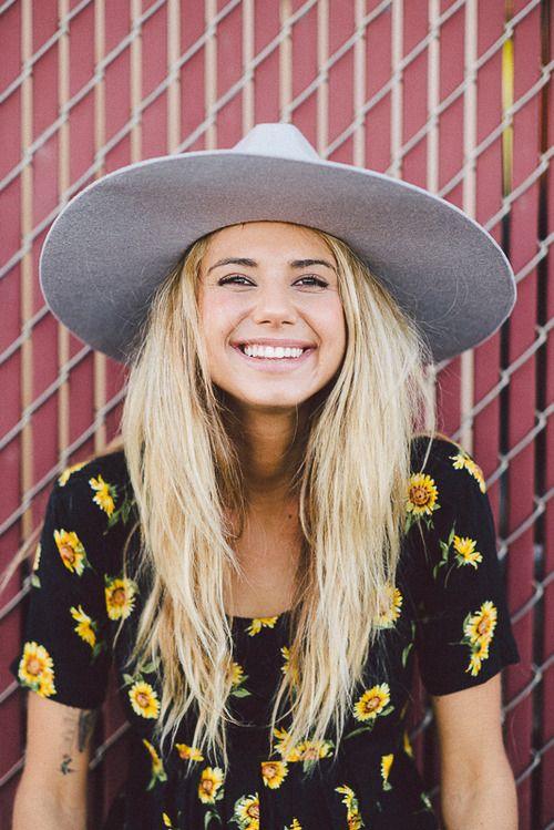 sun hat + sunflowers tee