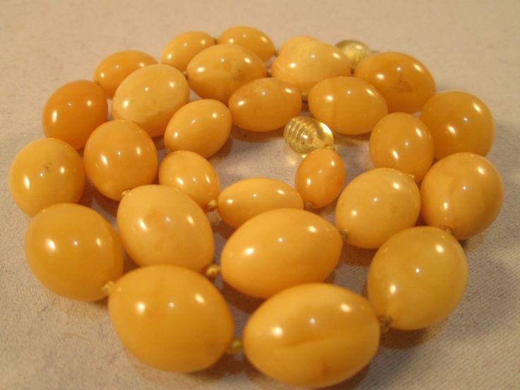 Vintage Natural Baltic Butterscotch Egg Yolk Amber Bead Necklace 27.4 grams