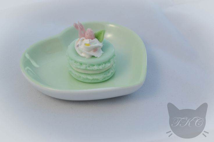 Larger sized mint green macaroon charm for necklace. All handmade with love from cold porcelain clay. Topped with whipped cream, strawberries and sprinkles! Be careful not to get too hungry... Available for purchase soon.