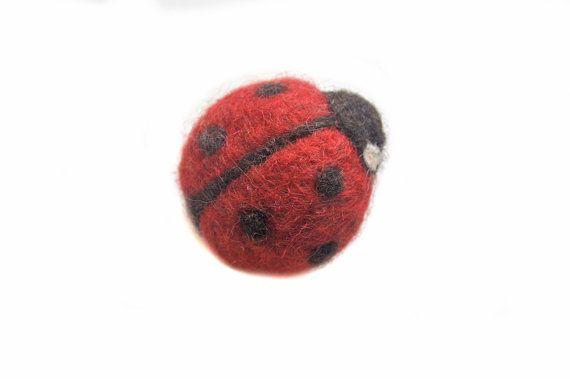 Lady bug pin spilla in feltro ago coccinella in feltro di di Mriya