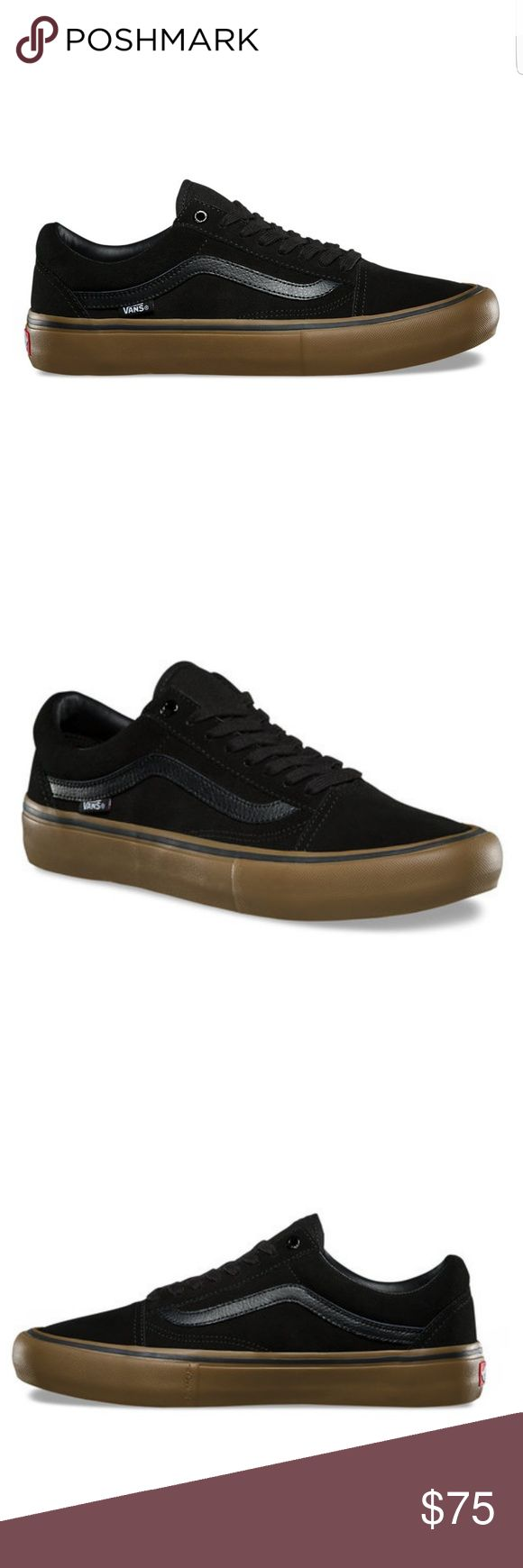 New Vans Old Skool Pro Skate Sneakers Vans Old Skool Pro Skate shoesin black with black leather logo size mens 7 or womans 8.5 Vans The Old Skool Pro, a Vans classic upgraded for enhanced performance, features suede and canvas uppers, single-wrap foxing tape, UltraCush HD sockliners to keep the foot close to the board while providing the highest level of impact cushioning, and Vans original waffle outsoles for superior grip and control. New without tag used only as store display only NO BOX…