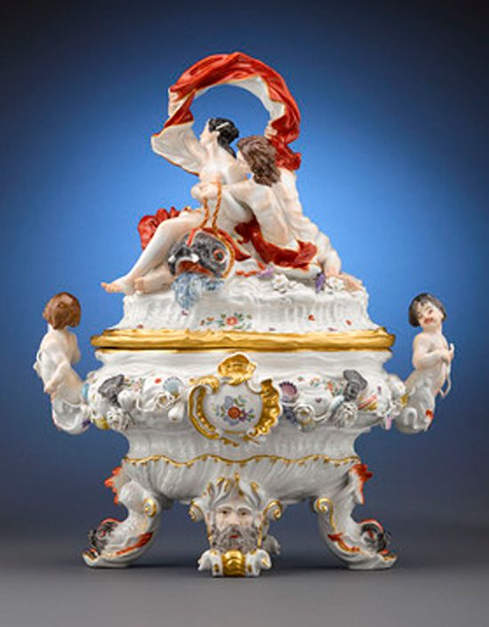 It was around 1728 that Kandler produced the 'swan' set. The tureens were in the shapes of enormous shells adorned with mermaid handles and the oil and vinegar cruets, took the form of little putti riding swans. Its new style of floral decoration, inspired by the work of Japan's wonder ceramicist Sakeida Kakiemon would in the end become a wholly new European concept.