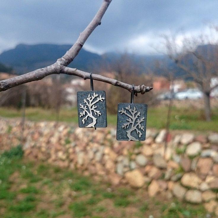 Pendientes de plata con el  dibujo de un árbol. de horivert en Etsy