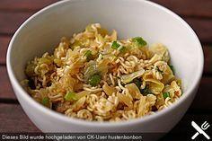 Chinakohlsalat mit Mie - Nudeln, ein schmackhaftes Rezept aus der Kategorie Snacks und kleine Gerichte. Bewertungen: 67. Durchschnitt: Ø 4,5.