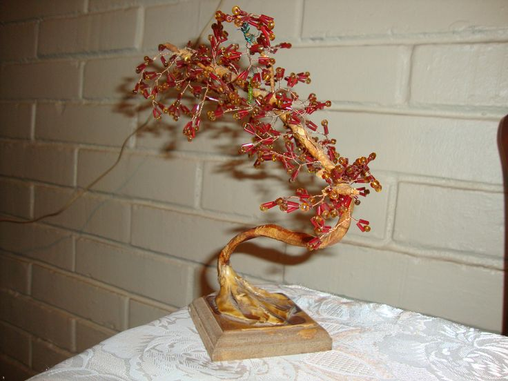 Rbol de bonzai estilo japon s mostacilla roja con - Alambre de cobre ...