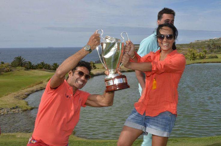 Disfrutando del premio en la Salme´s Cup 2014 en Vincci Selección Buenavista Gol&Spa 5* y en el campo de golf Buenavista! #Tenerife. Foto Tenerife Golf.