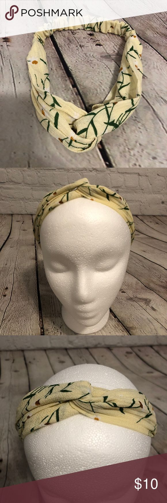 Knotted Boho Headband Pastel Yellow White Floral This knotted headband is super cute. It has elastic inside the fabric and it's stretchy and comfort...