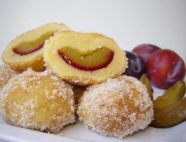 Desert : dumplings with plums