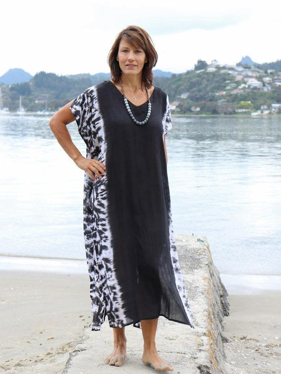 71be19a758270 Kaftan dress - Large long and flowy Beach Caftan. Black with tie dye sides.