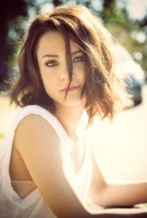 Kathryn Prescott- Maybe similar to my type? (Finding Carter)