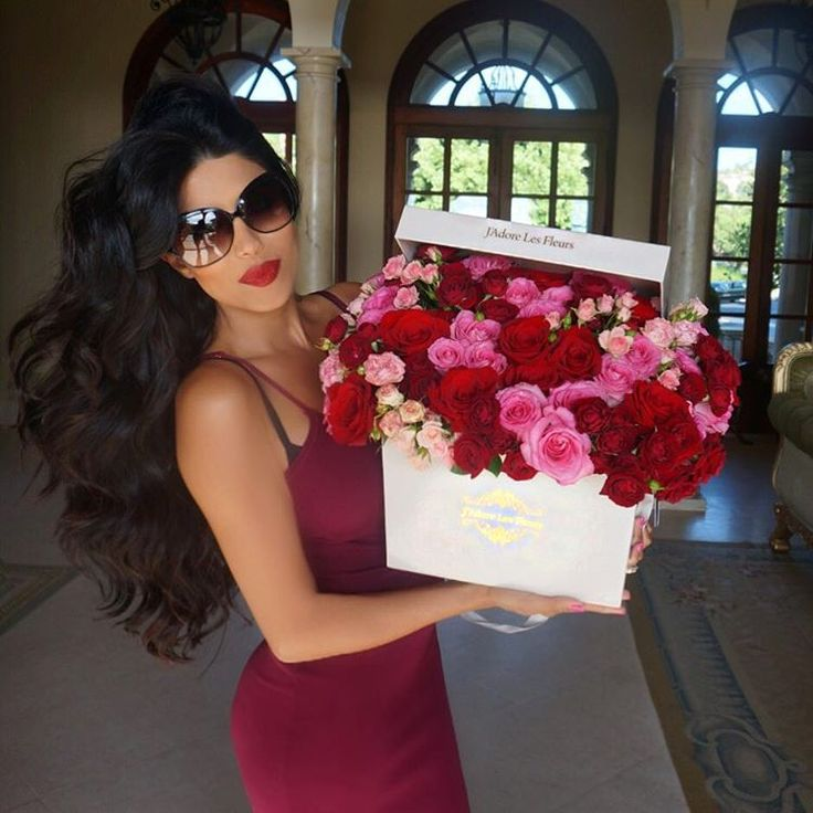 "Leyla Milani-Khoshbin on Instagram: ""Just received the most GORGEOUS arrangement of ""Just Because"" flowers from my hubby! @jadorelesfleurs #speechless #omg"""