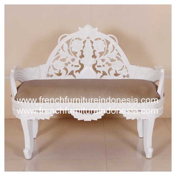 Order Variation Carved Sofa B Fixed Cushion from French Furniture Indonesia. We are reproduction Furniture manufacture with French style good quality and classic furniture style. #WholesaleFurniture #FurnitureManufacturer #GalleryFurniture #FurnitureOnline #CustomFurniture