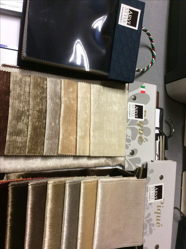 Fabric and super samples for chairs and sofá