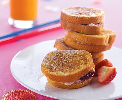 Ricotta & Strawberry Stuffed French Toast with Tre Stelle® Extra Smooth Ricotta Cheese #brunch #ricotta #recipe
