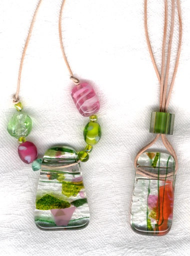Google Image Result for http://www.papergardenstudio.com/databasedfiles/papergarden-21-products14/fused-glass-pendants-beads.jpg