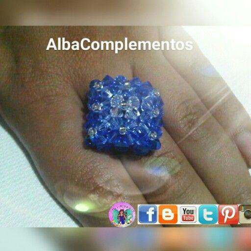 Anillo 9f rombo en tonos azules de cristales swarovski #joyasdelujo #hechoamano en #AlbaComplementos #Swarovski #Azul #Anillo #rombo #9f #cristalesSwarovski