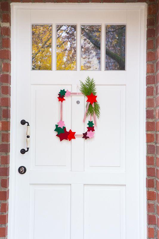 Einfache Dekoration Und Mobel Moderne Fenster Energiesparend Und Einbruchssicher #25: DIY: Türkranz Aus Bilderrahmen Basteln #DIYDeko #Weihnachten