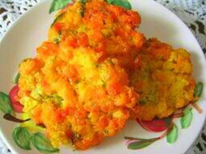 Bakwan jagung, fried corn