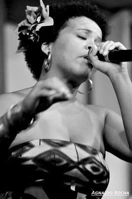"""o próximo dia 29 de maio, a partir das 15hs, a cantora Adriana Moreira, mostra no Espaço Afrobase, faixas do seu disco que homenageia Batatinha - Direito de Sambar. No repertório canções como Jardim suspenso, Conselheiro, Rosa dos Ventos, Diplomacia entre outras. O Escola do Samba é um projeto que visa resgatar e difundir o...<br /><a class=""""more-link"""" href=""""https://catracalivre.com.br/geral/agenda/barato/escola-do-samba-adriana-moreira-homenageia-batatinha/"""">Continue lendo »</a>"""