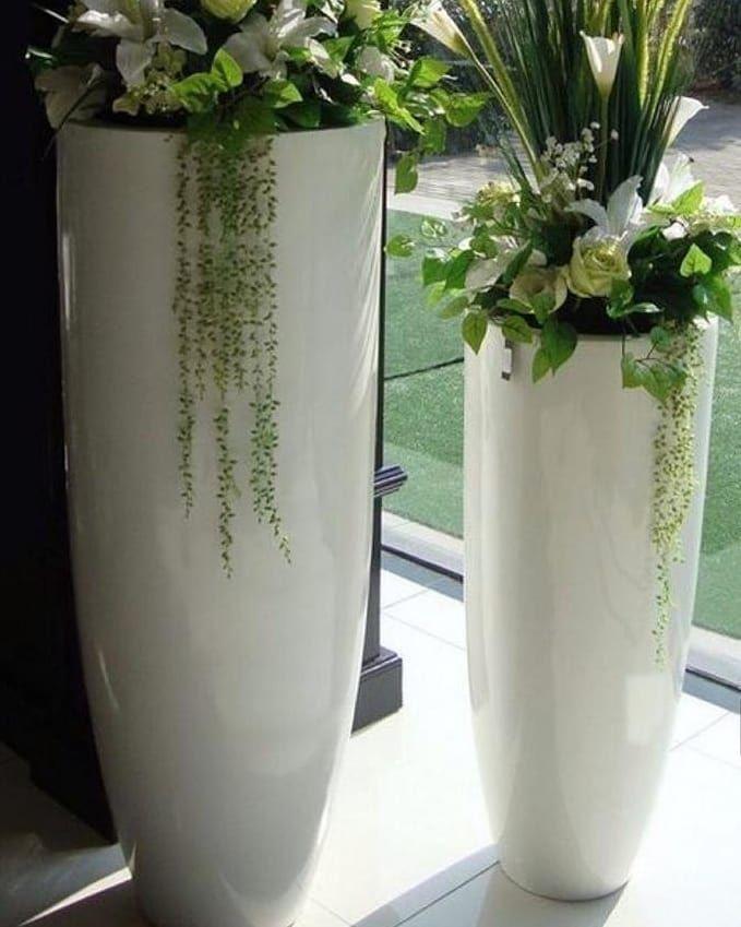Pin Di Pot Bunga Beton Unik