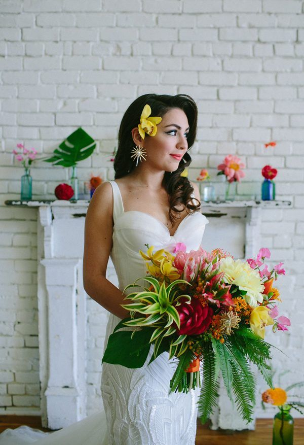 tropical wedding bouquets - photo by Amber Vickery Photography http://ruffledblog.com/tropical-cuban-wedding-inspiration