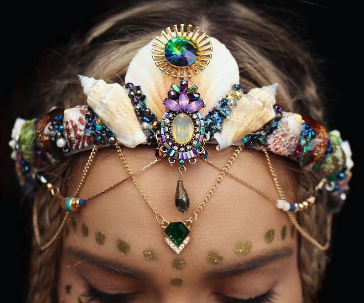 Mermaid Crowns With Real Seashells by Chelsea Shiels