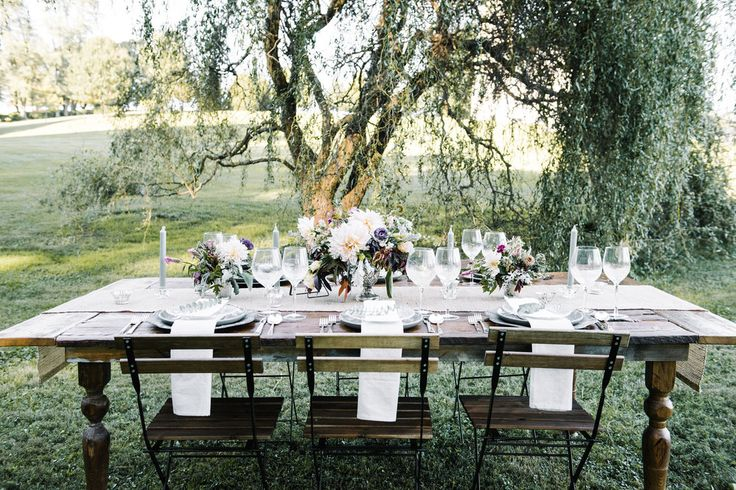 Under the willow tree. Private estate wedding inspiration // farmhouse tables: holmespun co. // planning: love and lace weddings // photography: AGP Collective