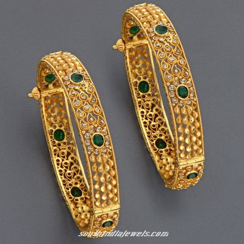 22K Gorgeous gold emerald adjustable bangles from mangatrai jewellery.