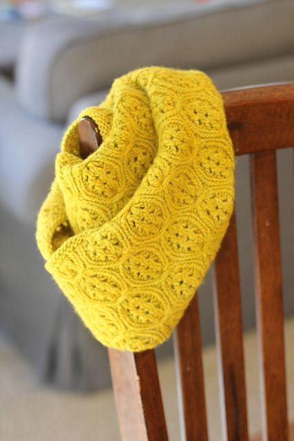 Cabernet Infinity Scarf - aran by Monika Sirna, knitted by arielceta | malabrigo Worsted in Frank Ochre