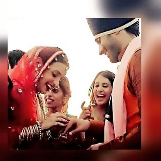 Throwback The Complete Wedding Story Of Television Sweethearts Sanaya Irani And Mohit Sehgal In 2020 Wedding Story Mohit Sehgal Sanaya Irani
