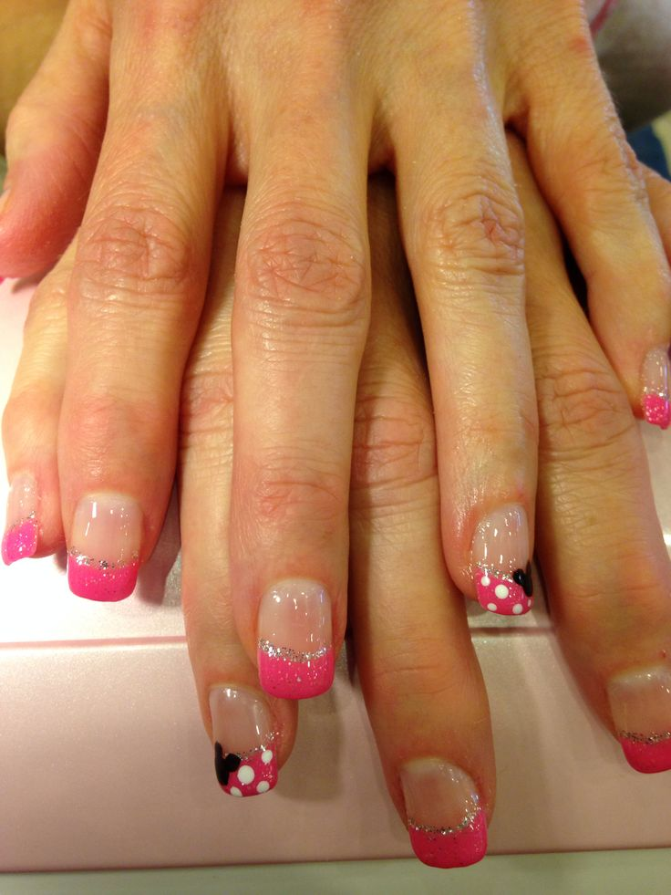 I want to do this, but in red and with no glitter in the clear. I hope they have silver in gel polish.