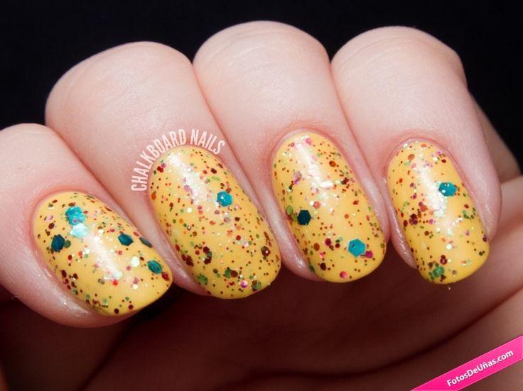 Fotos de uñas amarillas y coloridas. #TopCoat #Nails #Uñas #Manicura #Amarillas