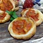 Pizzette di sfoglia al pomodoro fresco