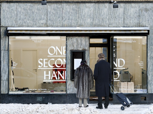 """One Second Hand / (the """"lonely glove"""" store). identity design by Surplus Wonder. via Cosas Visuales #store_front #identity"""